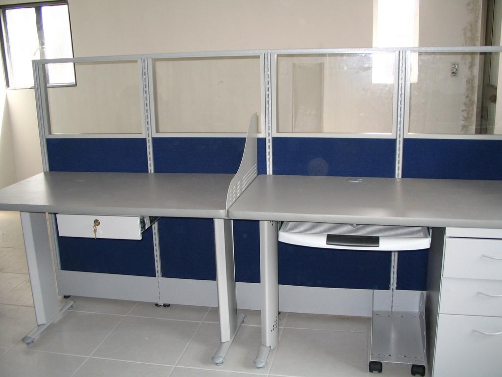 Paneles divisiones sillas bogot mesas trabajo modulos muebles para oficinas - Paneles divisorios para oficinas ...